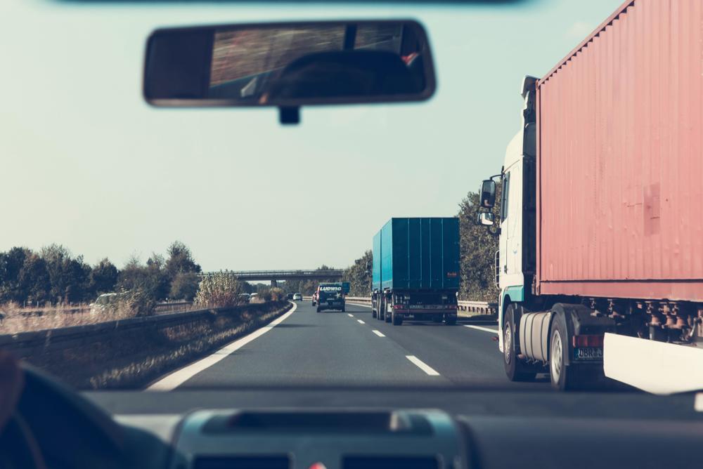 těžké a středně těžké nákladní vozy z Evropy