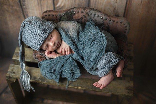 Newborn focení novorozenců Brno